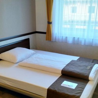Toyoko Inn - Frankfurt - Room